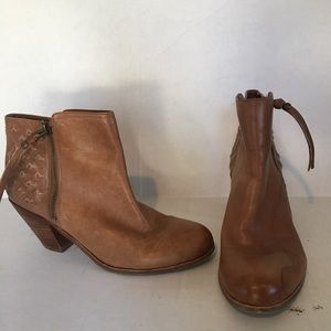 Sam Edelman leather ankle boots. Size 8.